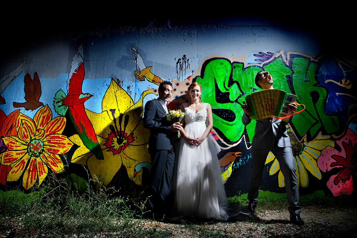 η φωτογράφηση γάμου της Αλεξάνδρας και του Alex εξωτερική φωτογράφιση νύμφης και γαμπρού