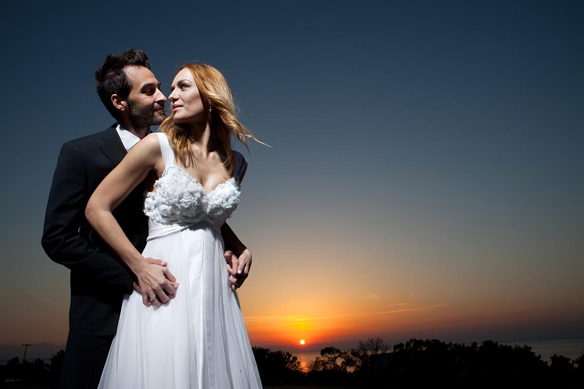 η φωτογράφηση γάμου της Αλεξάνδρας και του Alex,φωτογραφία γάμου .ηλιοβασίλεμα στη θεσσαλονίκη