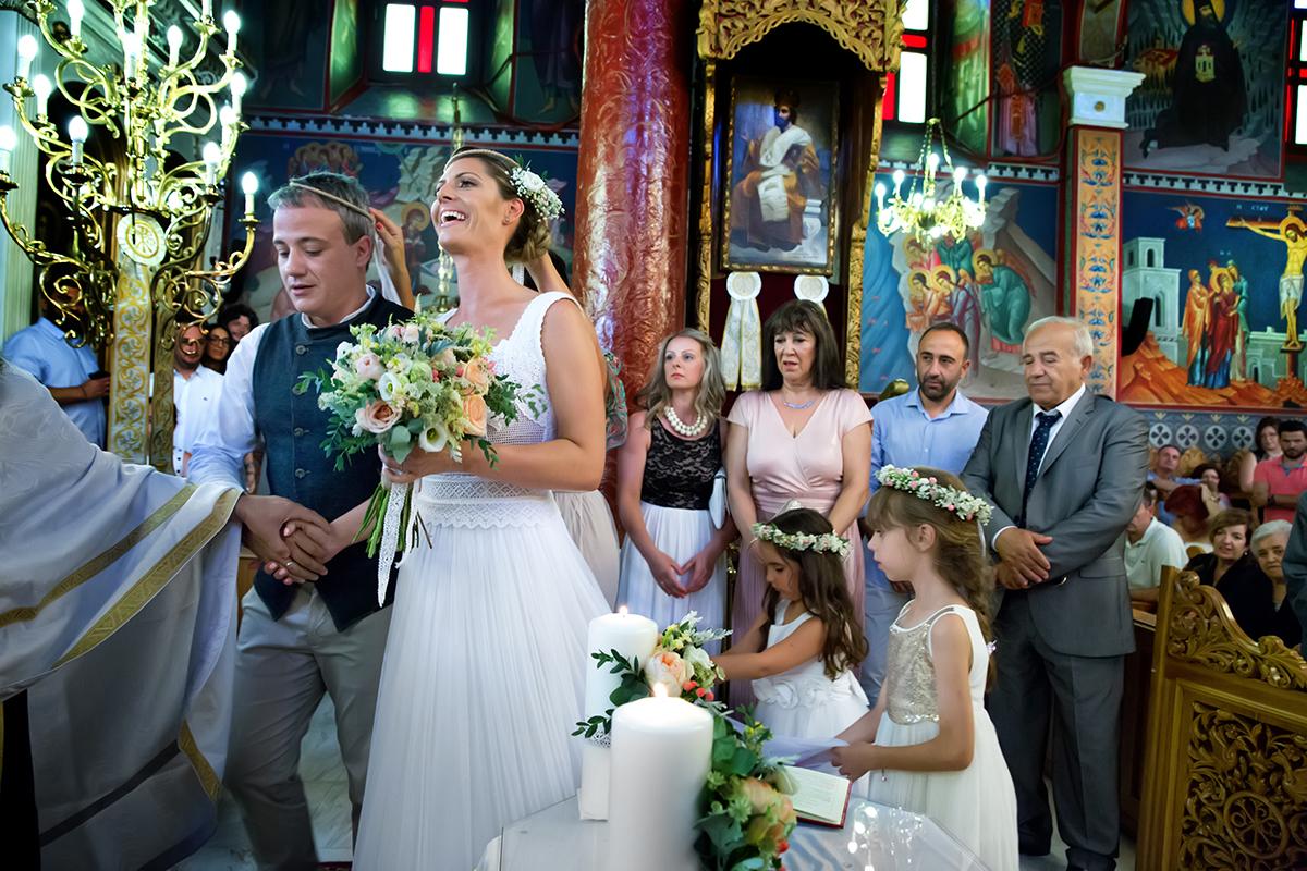 Η ξεχωριστή φωτογράφηση γάμου του Νικου και της Μαρια.ο Ησαίας ξανά σε μια φωτογραφία γάμους