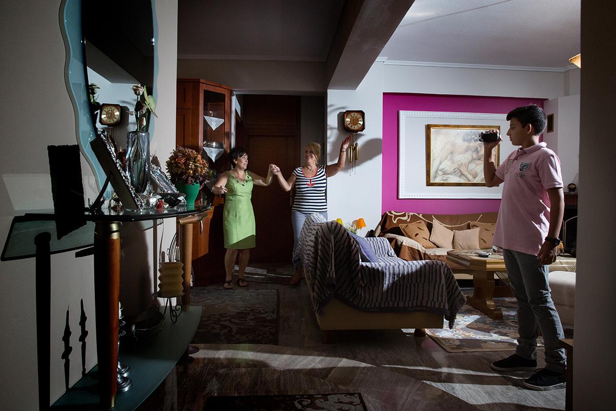 η φωτογραφία γάμου της νενας και του αποστολη,φωτογραφία γάμου.το σπίτι της προετοιμασίας